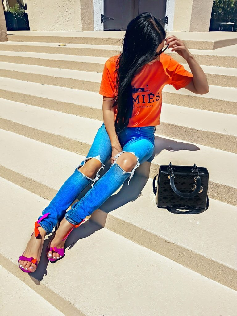 Levi's 721 high rise destroyed jeans hommie t-shirt fashion blogger spring looks